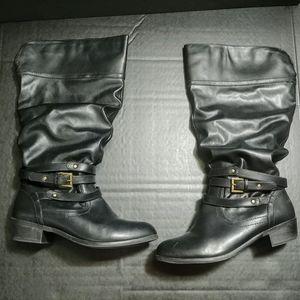 Womens size 7 1/2 wide width Black Boots